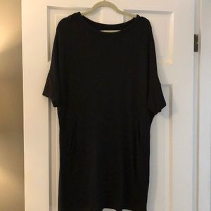 Lou and Grey super soft shift dress